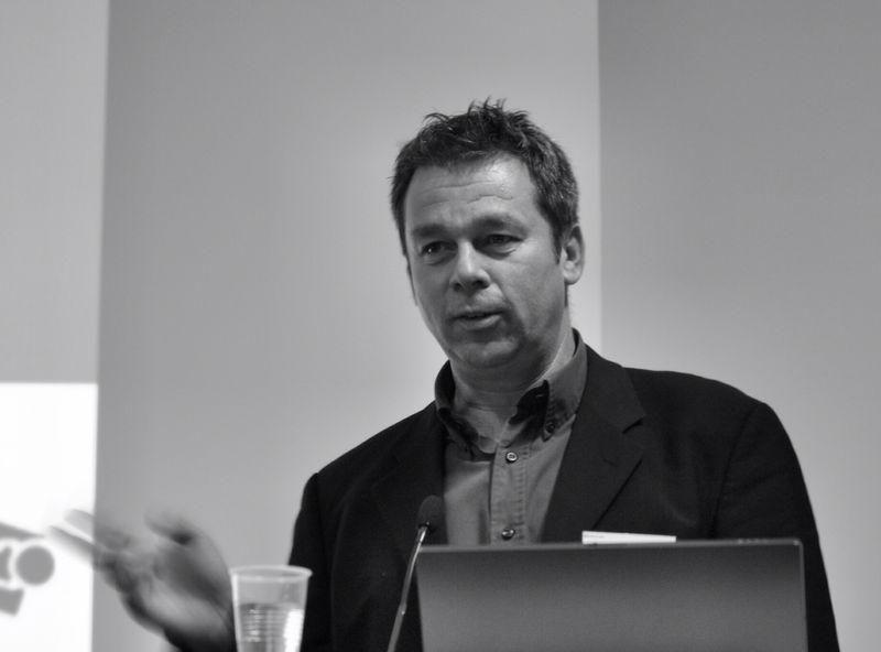 Dr. Luc van Hoof : [staff-                     position]